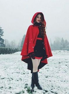 Madelaine Petsch (Cheryl Blossom) from Riverdale Cheryl Blossom Riverdale, Riverdale Cheryl, Riverdale Cw, Riverdale Memes, Riverdale Fashion, Riverdale Archie, Betty Cooper, Sexy Halloween Costumes, Costume Halloween