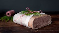 - Lammerull - lamb roulade, thinly sliced on fresh bread,flatbread,crispbread , - in northern part of Norway the roulade is brined Christmas And New Year, All Things Christmas, Norwegian Food, Fresh Bread, Recipe Boards, Christmas Baking, Lamb, Feta, Food To Make
