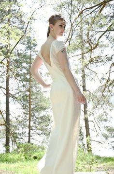 Rakastan valokuvausta ja editoimista Malli & meikki: Anna-Maria Kasanen Peace&Style -blogi Hiukset: Kauneusvarikko Mekko: Ninaco Couture ID