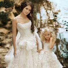 Matching Flower Girl Dresses to Bridal Gowns papilio