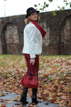 Margaret Dallospedale, Maggie Dallospedlae fashion diary, Fashion blog, Fashion blogger,  fashion tips, how to wear, Outfits, OOTD, Fall outfit, leather pants and high boots, 6