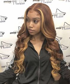 Champagne blonde highlights for dark skin Hair Color For Dark Skin, Cool Hair Color, Weave Hair Color, Loose Hairstyles, Flower Girl Hairstyles, Black Hairstyles, Casual Hairstyles, Medium Hairstyles, Latest Hairstyles