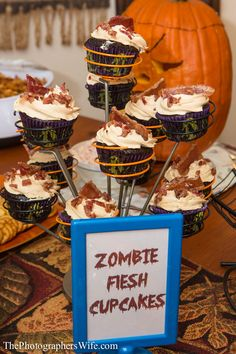 ZOMBIE FLESH CUPCAKES! Chocolate & Peanut Butter Cupcakes with Candied Maple Bacon