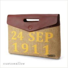 포인트1. wood pulp 소재 2. 들기 편한 손잡이 3. 파우치 안에 작은 미니 파우치가 쏙! #엘롯데 #커스텀멜로우 #남성파우치 straw square pouch #customellow #pouch