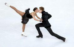A patinação no gelo é simplesmente lindo. Igual ao Balé.