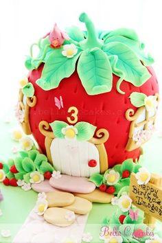 strawberry cake, love!!!!
