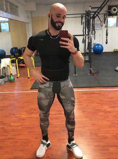 Men's Training Gear Mens Compression Pants, Gym Outfit Men, Lycra Men, Mens Tights, Muscle Men, Mens Fitness, Sport Outfits, Gym Men, Sexy Men