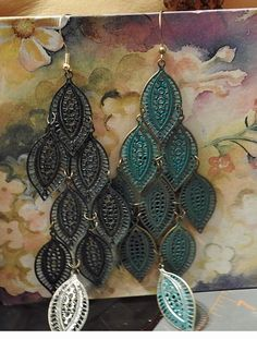 Vintage Jewelry Green Leaf Dangle Earrings by DLSpecialties on Etsy