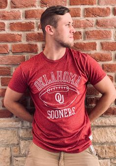 Original Retro Brand Oklahoma Sooners Crimson Vault Football Short Sleeve Fashion T Shirt - 4812240 Notre Dame Football, Alabama Football, American Football, Football Fashion, Oklahoma Sooners, Alabama Crimson Tide, Retro, Tees, Boomer Sooner