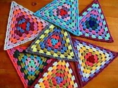 Transcendent Crochet a Solid Granny Square Ideas. Inconceivable Crochet a Solid Granny Square Ideas. Point Granny Au Crochet, Grannies Crochet, Crochet Motifs, Crochet Blocks, Granny Square Crochet Pattern, Crochet Squares, Crochet Stitches, Crochet Patterns, Crochet Bunting Free Pattern