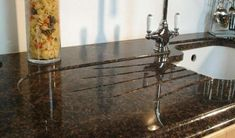 #Tan #Brown #Granit ist einer der beliebtesten Granit Sorten in unserer Produktion. Dieser Granit ist eine ausgezeichnete Wahl für alle Anwendungen einschließlich Arbeitsplatten.  http://www.granit-arbeitsplatten.com/Tan-Brown-granit-arbeitsplatten-Tan-Brown