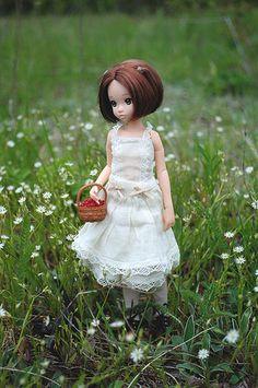 Barbie, Smart Doll, Doll Repaint, Cute Dolls, Deco, Doll Toys, Diy Clothes, Fashion Dolls, Flower Girl Dresses