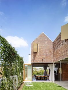 Christian Street House by James Russell Architects. Photo by Toby Scott | Where I'd Like To #whereidliketolive
