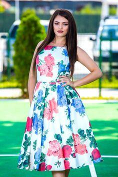 Bucură-te de evenimentele importante din viața ta într-o rochie de excepție marca www.voglia.ro #rochii #fashion #summer #vara Indian Tribes, Floral Fashion, Beauty, Dresses, Vestidos, Dress, Beauty Illustration, Gown, Outfits