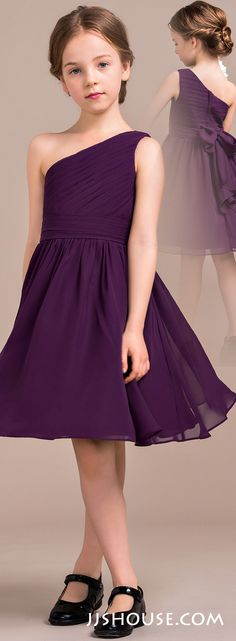 A nice choice for your junior bridesmaids. It is the right mix of cute and grown-up. The post A nice choice for your junior bridesmaids. It is the right mix of cute and grown appeared first on Best Dress. Trendy Dresses, Nice Dresses, Casual Dresses, Short Dresses, Girls Dresses, Flower Girl Dresses, Prom Dresses, Summer Dresses, Dresses For Kids