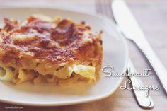 Jeder kennt die klassische Lasagne. Wir haben mal etwas Neues gewagt und eine Sauerkraut-Lasagne gemacht. Mit einem guten Bergkäse ein wahres Gedicht.