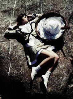 """Sunny Wash Day"":Han Eu Ddeum byHong Jang Hyunfor Vogue Korea May 2012"