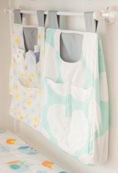 Bolsas porta fralda e porta treco para deixar prático pequenos espaços.