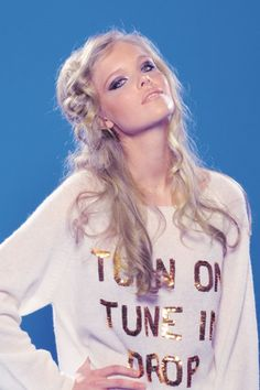 """WILDFOX COUTURE """"TURN ON, TUNE IN, DROP OUT"""" - PENNY LANE SWEATER"""
