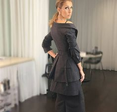 Beauty, class and Celine Dion, Celine 2016, Business Casual Outfits, Forever Love, Peplum Dress, Cold Shoulder Dress, Singer, Actresses, Chic
