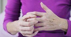 Chcesz odmłodzić swoje dłonie? Idź do kuchni i zmieszaj ze sobą te proste i naturalne składniki. Efekt murowany! | Te-mysli.pl