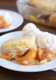 Classic and Delicious Peach Cobbler | Mel's Kitchen Cafe