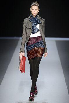 Emanuel Ungaro Fall 2009 Ready-to-Wear Fashion Show - Maryna Linchuk