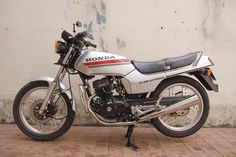 CB 125 Antique Motorcycles, Honda, Antiques, Vehicles, Antiquities, Rolling Stock, Antique, Vehicle