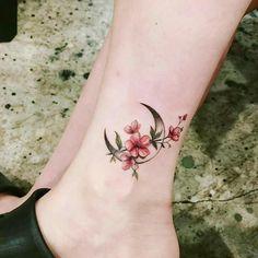 New Tattoo Moon Design Tatoo Ideas Mini Tattoos, Flower Tattoos, Body Art Tattoos, New Tattoos, Tribal Tattoos, Small Tattoos, Cute Foot Tattoos, Tattoos Skull, Pretty Tattoos