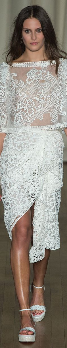 Marchesa SPRING 2015 RTW #fashion #trends #runway #style #luxury #designers #textiles #textures #design #Details #forecast