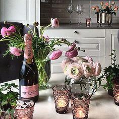 #ShareIG Credit: @trude.vaagenes Det er alltid så lekkert hjemme hos Trude - deilig luksus og god stemning  De rosa lysglassene er fra Interiørfrue  Ønsker dere en fin torsdagskveld  [www.interiorfrue.no] #tinekhome #tinekhomelysfat #inspirasjon #interiørfrue