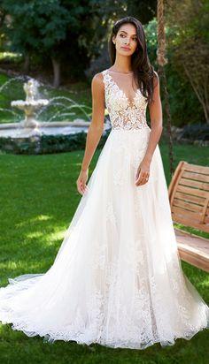 Courtesy ofMoonlight Bridal Wedding Dresses