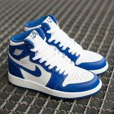 All Nike Shoes, Hype Shoes, Kd Shoes, Jordan Shoes Girls, Girls Shoes, Nike Jordan Shoes, Jordan Outfits, Air Jordan Sneakers, Blue Sneakers
