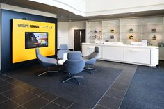 Minoli Tiles - Renault Head Office - Minoli RSN 45 - https://www.minoli.co.uk/car-showrooms/renault-showroom/renault-head-office/ - #Minoli #Minolitiles #Renault #RenaultUK #headoffice #darktile #carshowroom #automotive