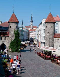 Tallinn, Estonia ~ oh look at those buildings!