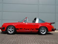 Classic Motors For Sale has classic cars for sale plus a selection of vintage cars from dealers and auctions in UK, US, and Europe. Porsche 911 Targa, Porsche Club, Classic Motors, Classic Cars, Top Sports Cars, Ferdinand Porsche, Vintage Porsche, Turbo S, Car In The World