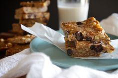 Chocolate Chip Cookie Energy Bars // shutterbean