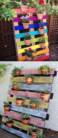21 Clever Ideas to Adorn Garden and Yard with Terracotta Pots Upcycled Pallet Rainbow Blumengarten Backyard Garden Landscape, Backyard Fences, Garden Landscaping, Modern Landscaping, Rustic Backyard, Big Backyard, Rainbow Flowers, Pallet Ideas, Garden Pots