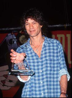 Eddie Van Halen with a people's choice award Wolfgang Van Halen, Valerie Bertinelli, Best Guitarist, Eddie Van Halen, Good Smile, Prince Charming, Rock And Roll, Superstar, Mens Tops