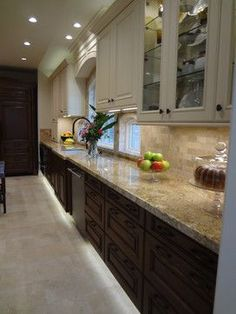 Two Tone Kitchen Design, Pictures, Remodel, Decor and Ideas - page 11