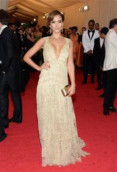 Jessica Alba wore a low-cut lace Diane Von Furstenberg gown to the 2014 Met Gala.