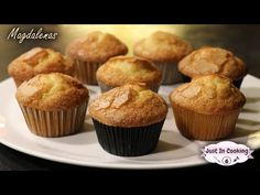 Recette des Madeleines Espagnoles ou Magdalenas - YouTube Cap Cake, Caramel, Muffin, Cooking, Breakfast, Desserts, Food, Fairy Cakes, Gentleness