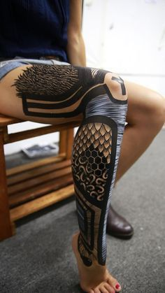 "Interview: Yusk Imai's Monochrome Bodypainting Project ""Exoskeleton"" - Si. - Interview: Yusk Imai's Monochrome Bodypainting Project ""Exoskeleton"" – Since before he can - Body Art Tattoos, Sleeve Tattoos, Girl Tattoos, Tatoos, Future Tattoos, Tattoos For Guys, Tattoos For Women, Unique Tattoos, Beautiful Tattoos"