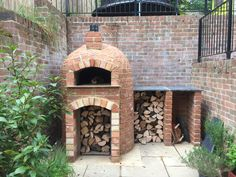 Round Base Milan 750 with serving sides. Round Base Milan 750 with serving sides. Brick Oven Outdoor, Brick Bbq, Pizza Oven Outdoor, Outdoor Kitchen Kits, Outdoor Kitchen Design, Outdoor Kitchens, Outdoor Rooms, Patio Design, Outdoor Living