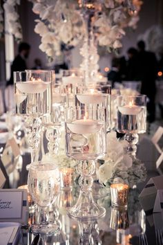 Gorgeous floating candles ♥ #elegant #party