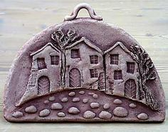 Pottery Houses, Spring Front Door Wreaths, Outdoor Wreaths, House Tiles, Bird Toys, Happy Art, Air Dry Clay, Wall Hanger, Softies