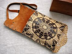 Boho Leather Festival Bag with Crochet Lace Doily and Antique image 2 Antique Keys, Vintage Keys, Vintage Purses, Leather Jewelry, Leather Craft, Leather Purses, Leather Bag, Bead Crochet, Crochet Lace