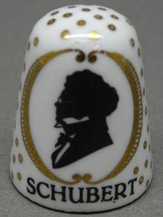 Schubert. Arta thimble. Austria. Cobre esmaltado. Thimble-Dedal-Fingerhut. Sewing Tools, Sewing Tutorials, Composers, Pincushions, Fat Quarters, Ants, Austria, Fingers, German