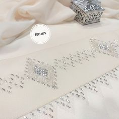 BARTIN IŞI TEL KIRMA URUNLER SATIŞTADIR. KAPIDA ÖDEME UCRETSIZ KARGO VE FATURALI URUNLERIMIZ FIRMA GARANTISI ILE GONDERILMEKTEDIR.… Chikankari Suits, Bargello, Diy And Crafts, Place Card Holders, Wedding Rings, Engagement Rings, Sultan, Silver, Cards