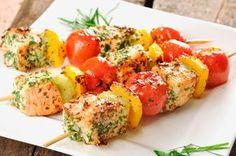 Lachs-Spieße mit Gemüse   http://eatsmarter.de/rezepte/lachs-spiesse-mit-gemuese